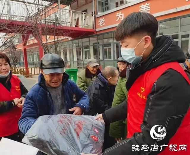 西平县柏城街道:关爱孤寡老人 寒冬送温暖