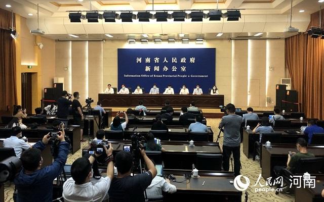 河南省高校、中高风险地区中小学暂定9月15日之前不返校