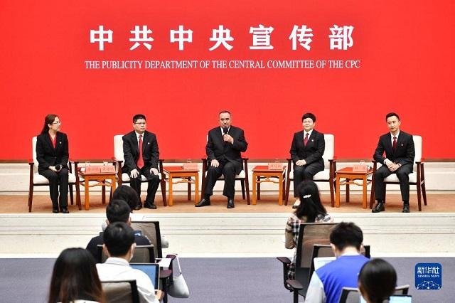 """4名法院系统党员代表共话""""扎根审判执行一线 践行司法为民"""""""