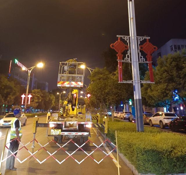 驻马店市城管局开展中心城区市政基础设施专项整治行动