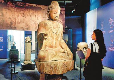 龙门石窟文物上海首展 千年馆藏与当代艺术展开时空对话