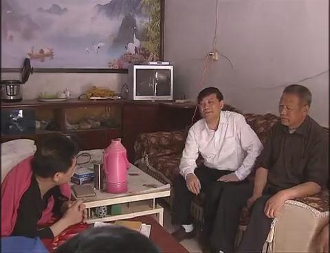 余学友到遂平县花庄镇调研指导党的群众路线教育开展情况